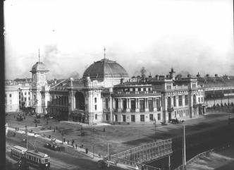 Tsarskoselsky Railway Station on Vvedenskaya Square. Photo by C.C.Bulla. End of 1900s.