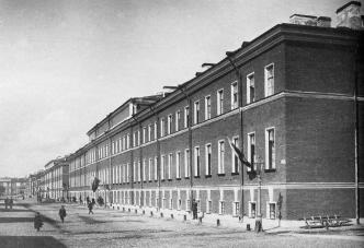 Quarters of the Hunters' Life Guard Regiment on Ruzovskaya Street. Photo, 1909.