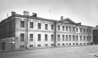 Soldiers quarters of the Semenovsky Life Guards Regiment (12 Ruzovskaya Street).