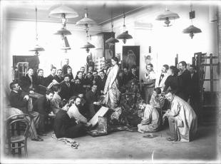 I.E.Repin among the Students of his Workshop at the Academy of Fine Arts. Photo, 1897.