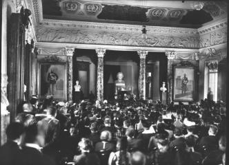 Session of the Imperial Academy of Sciences. Photo by K.K.Bulla. 1913.