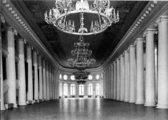 Neoclassicism. White columned hall of the Taurida Palace.